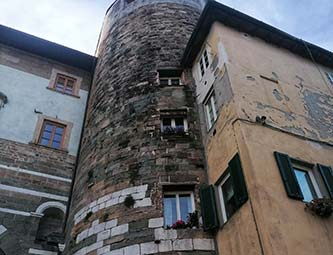 Dettaglio porta San Gervasio