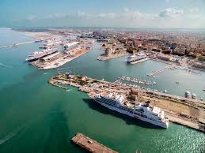 Travel tips image about: LIVORNO